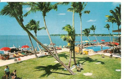A 1959 postcard from the Monterey Motel on Belle Isle.